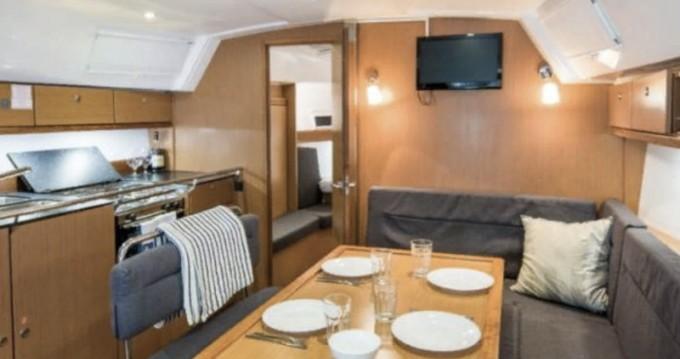 Bootsverleih Marina Pirovac günstig Bavaria 40 Cruiser S
