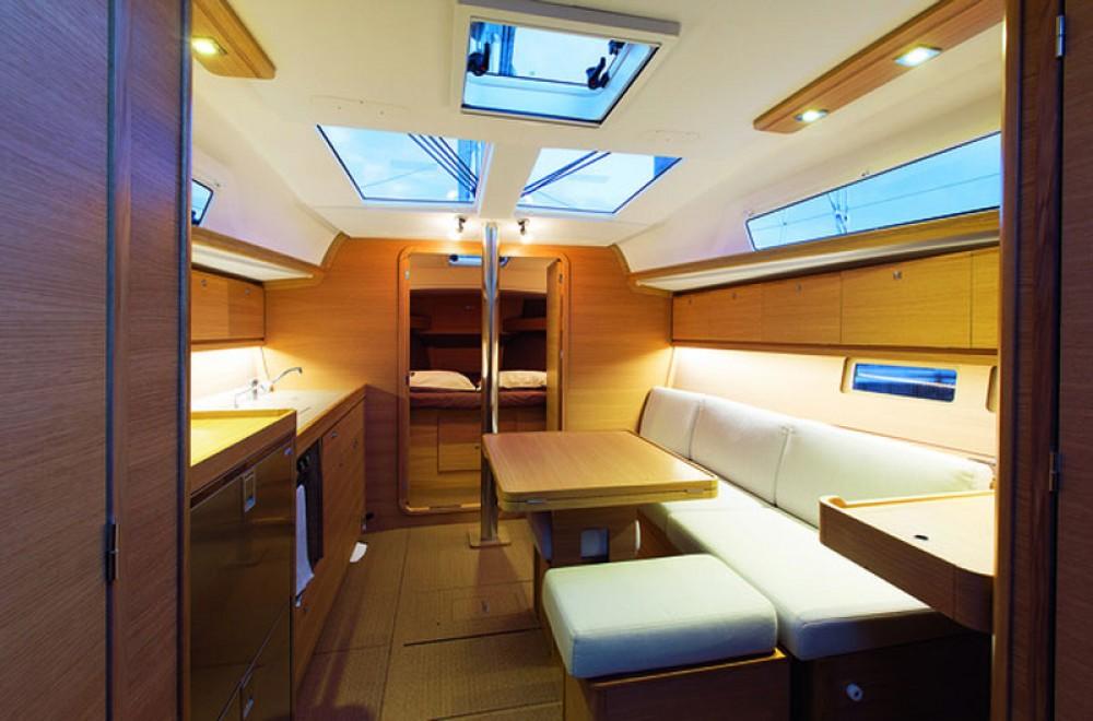 Verhuur Zeilboot in Ta' Xbiex - Dufour Dufour 382 Grand Large
