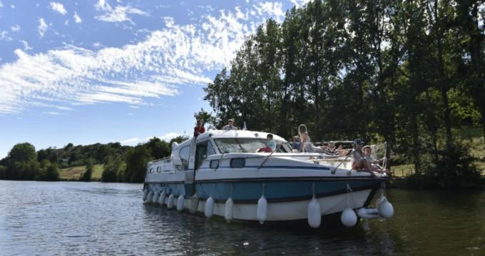 Location bateau Nicols Confort 1350B à Sablé-sur-Sarthe sur Samboat