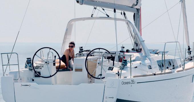 Bénéteau Oceanis 35.1 zwischen Privatpersonen und professionellem Anbieter Palermo