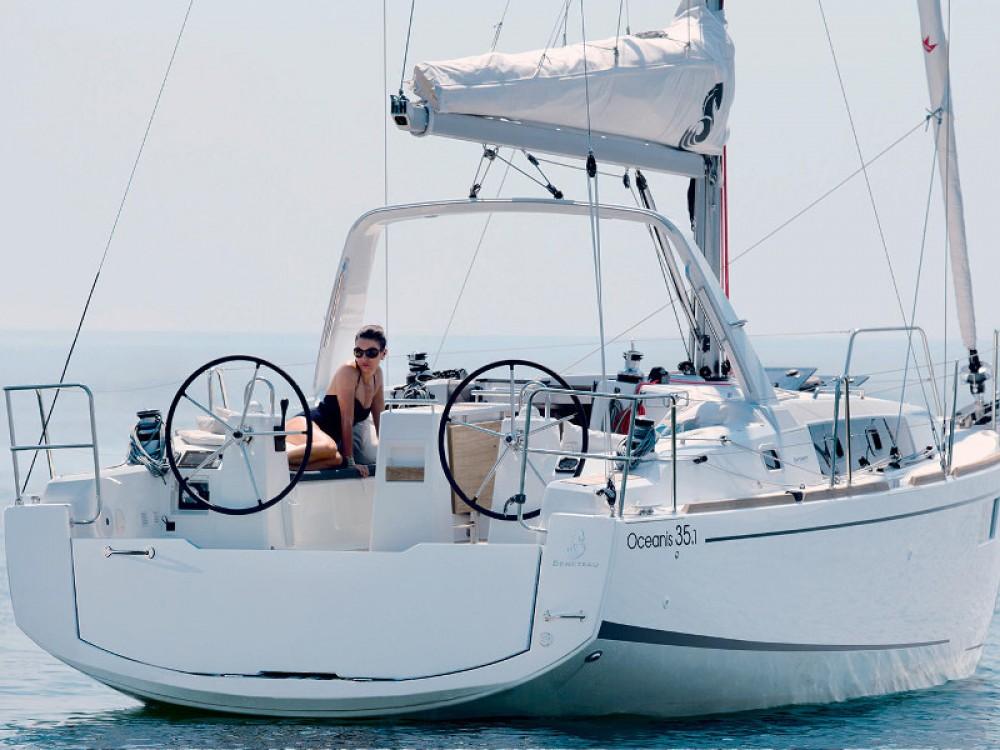 Bénéteau Oceanis 35.1 entre particuliers et professionnel à Furnari