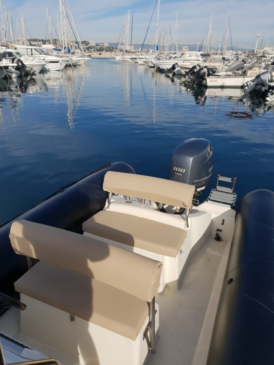 Boat rental Marseille cheap Explorer 640 SB