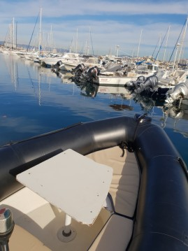 Location bateau Marseille pas cher Explorer 640 SB