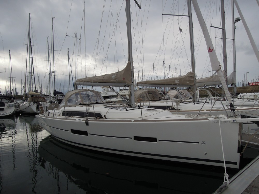 Location bateau La Trinité-sur-Mer pas cher Dufour 382 Grand Large