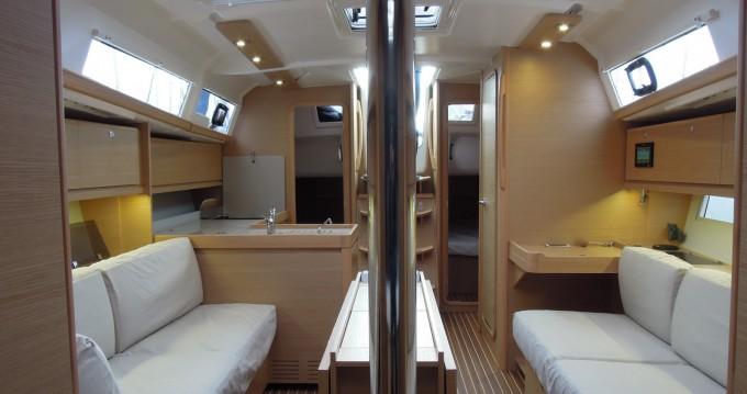 Location yacht à La Trinité-sur-Mer - Dufour Dufour 382 Grand Large sur SamBoat