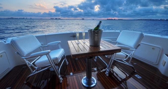 Bootsverleih Riviera Riviera 40 Open Flybridge Cartagena Samboat