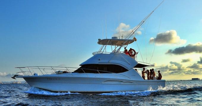 Riviera Riviera 40 Open Flybridge zwischen Privatpersonen und professionellem Anbieter Cartagena
