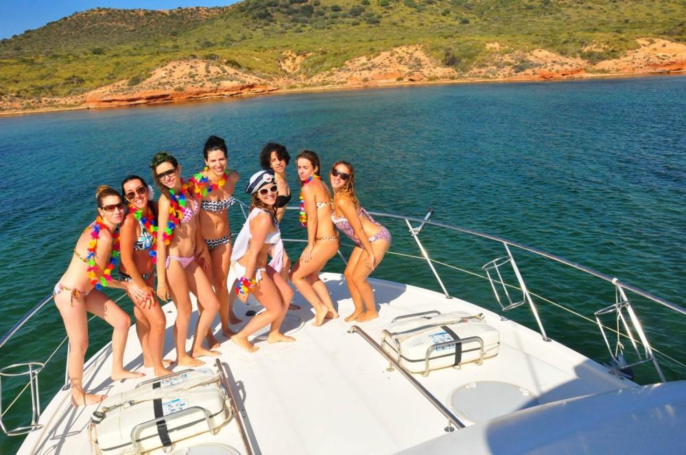 Location bateau Carthagène pas cher Riviera 40 Open Flybridge