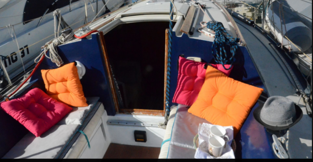 Sailboat for rent Ta' Xbiex at the best price