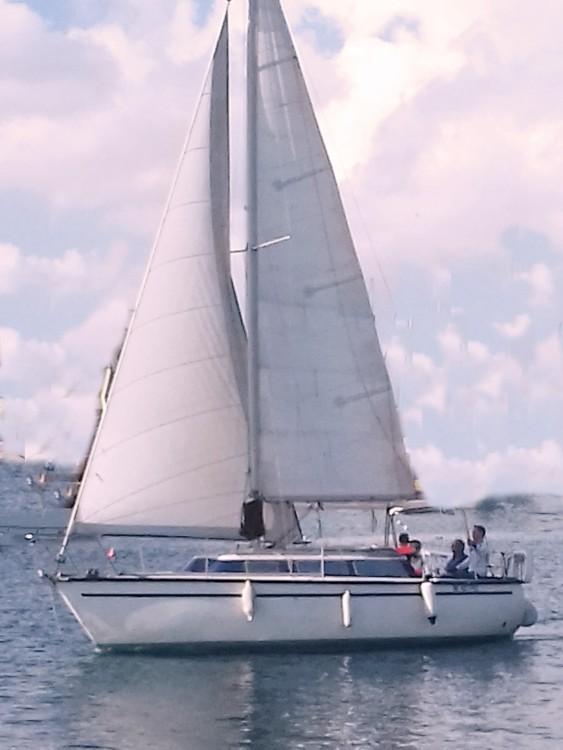 Rental Sailboat in Ta' Xbiex - Dufour Dufour 2800