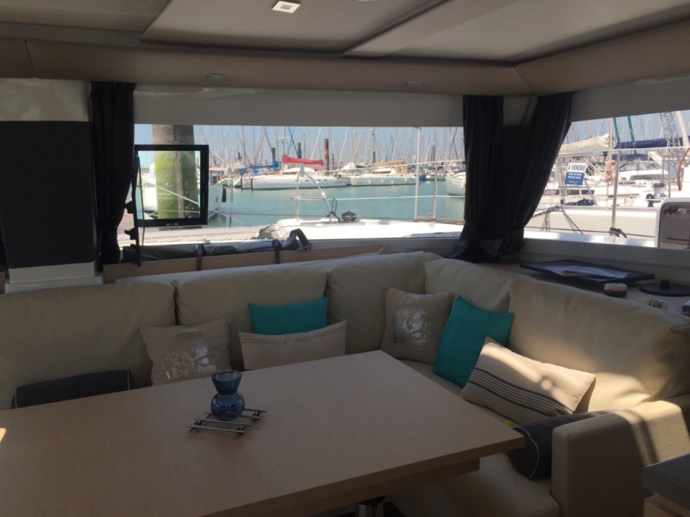 Boat rental Fountaine Pajot Helia 44 Maestro in Bonifacio on Samboat