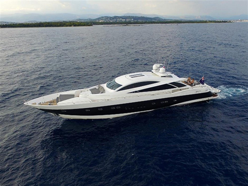 Bootverhuur Sunseeker Sunseeker Predator 108 in Zadar via SamBoat