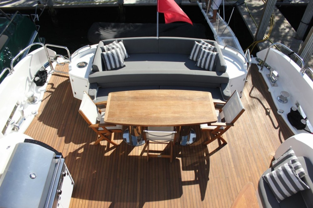 Rental Yacht in Zadar - Sunseeker Sunseeker Predator 108