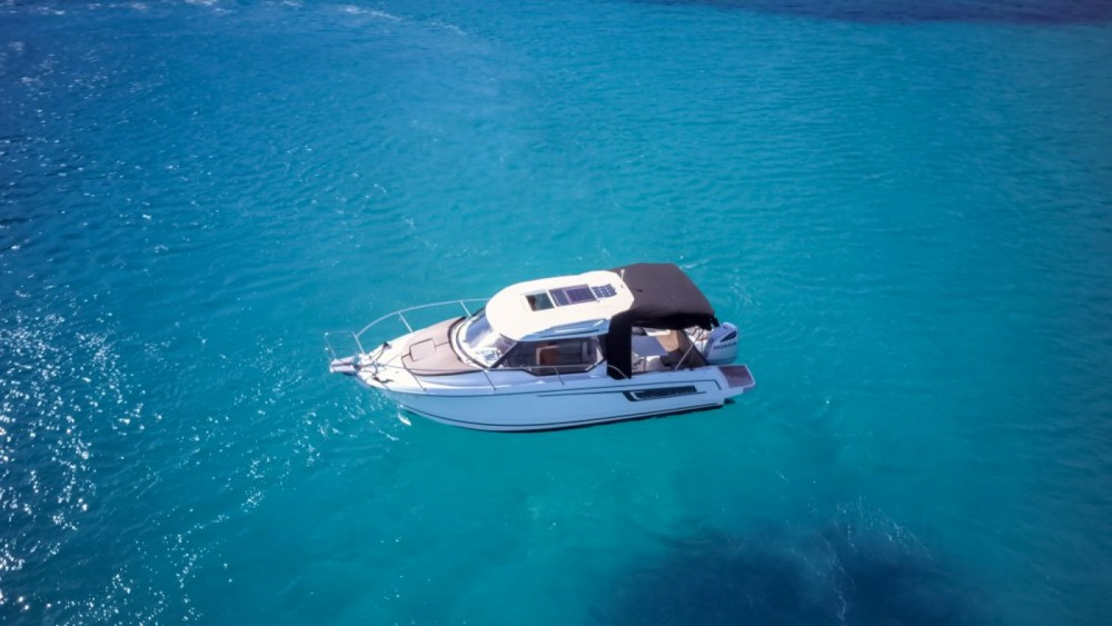 Boat rental Jeanneau Merry Fisher 795 in Trogir on Samboat
