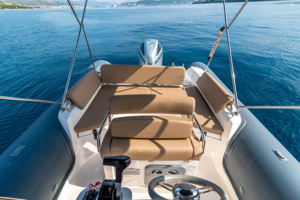 Rental RIB in Trogir - Bwa Sport 26 GTO