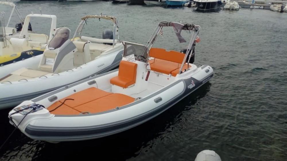 Rental yacht Sardinia - Motonautica Vesuviana MV 620 on SamBoat