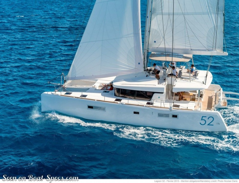 Location bateau Ajaccio pas cher Lagoon 52 F