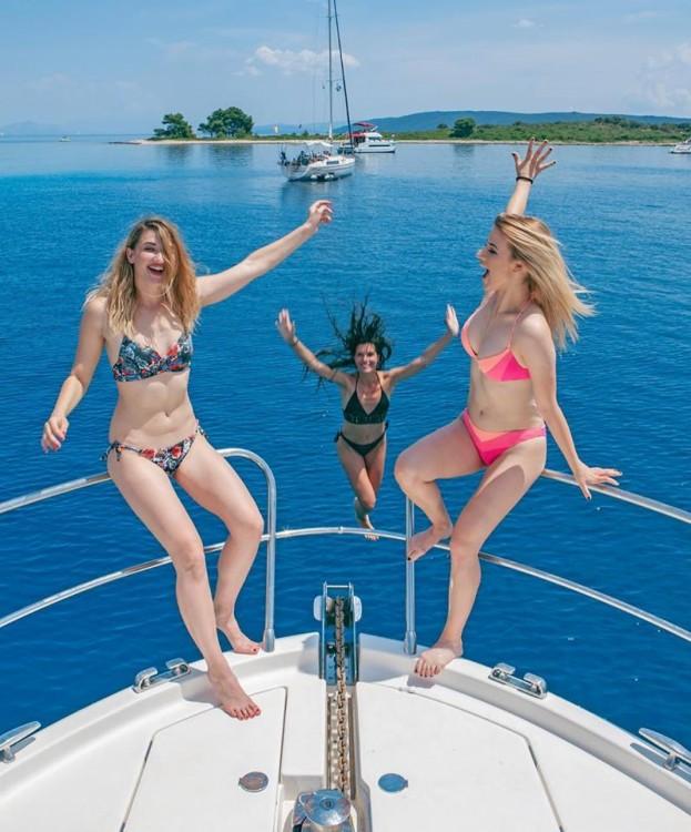 Rental Yacht in ACI Marina Split - Jeanneau Prestige 46 Fly