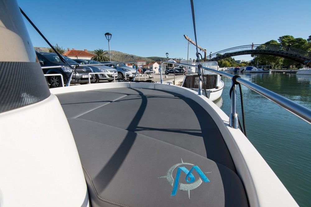 Rental Motor boat in Trogir - Sessa Marine Key Largo 20