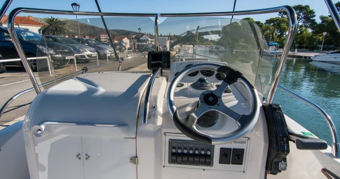 Sessa Marine Key Largo 20 between personal and professional Trogir