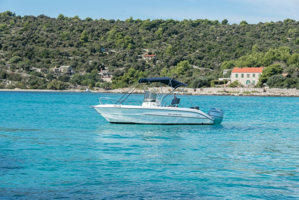 Rent a Sessa Marine Key Largo 20 Trogir