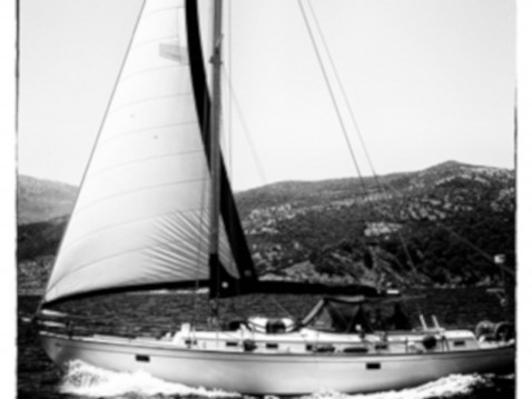 Sailboat for rent Agia Marina at the best price