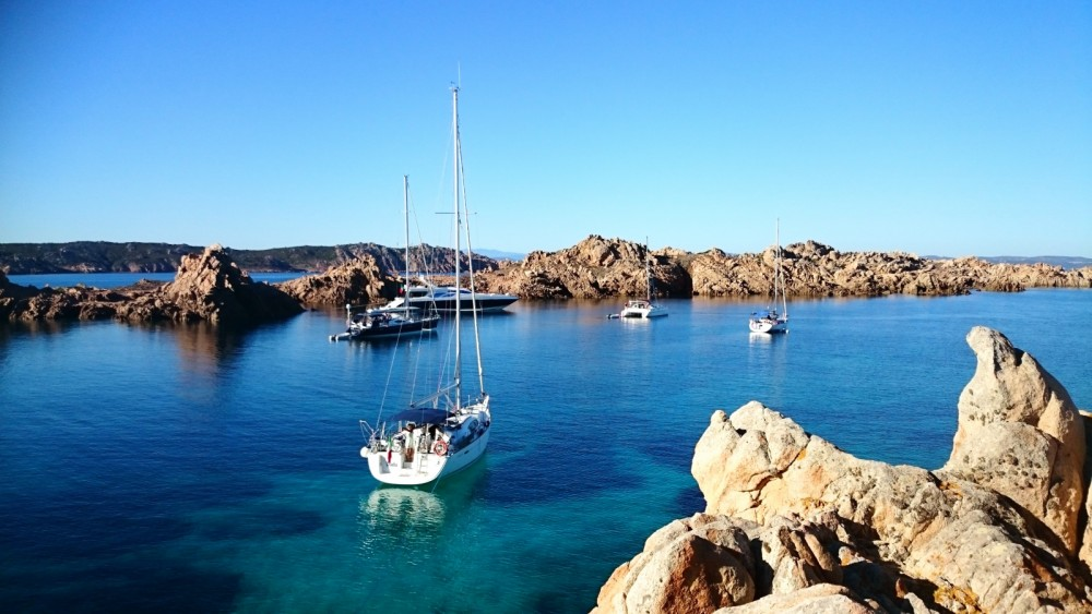 Hire Sailboat with or without skipper Bénéteau Cala Galera