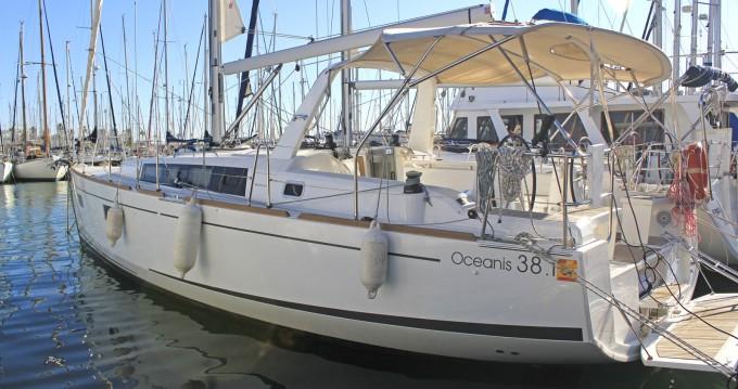 Location bateau Bénéteau Oceanis 38.1 à Barcelone sur Samboat