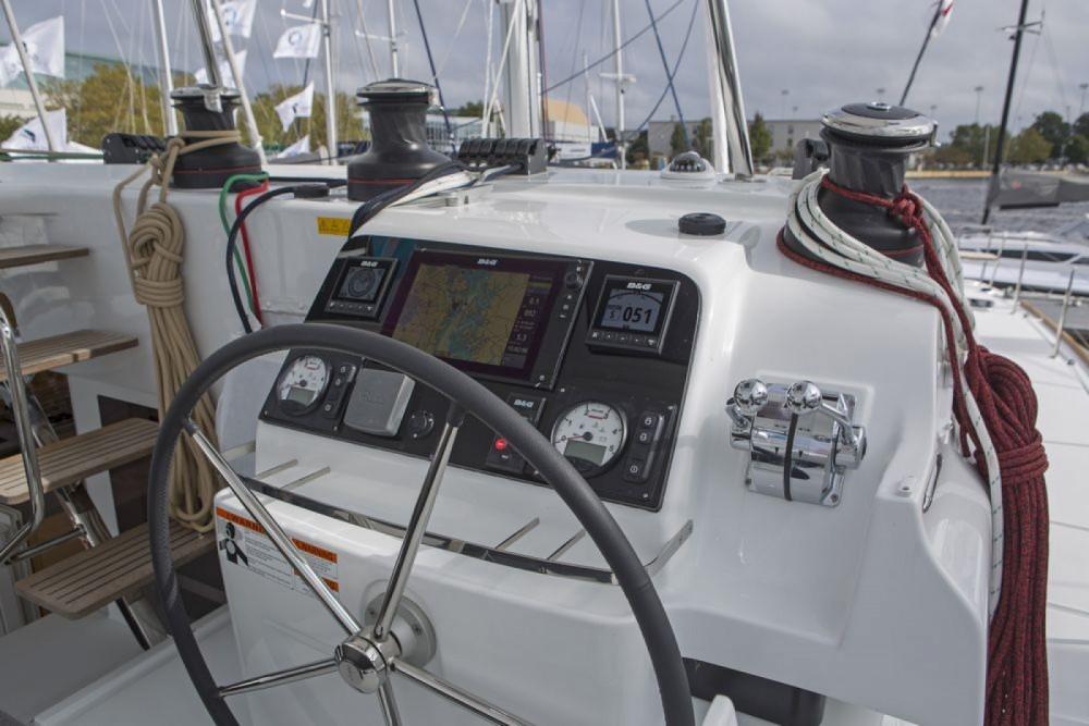 Location Catamaran à La Rochelle - Lagoon Lagoon 450 Sport Top