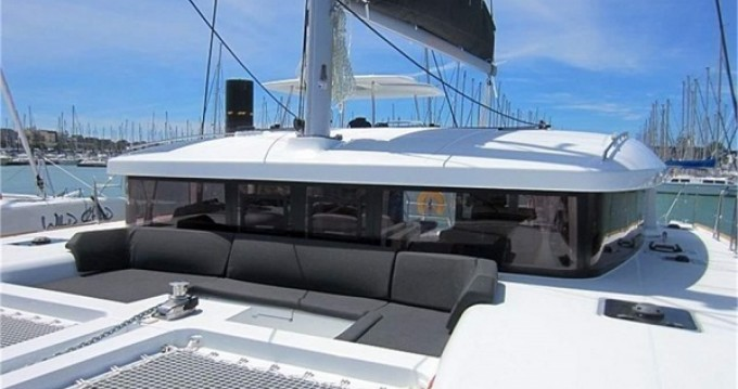 Rental yacht La Rochelle - Lagoon Lagoon 450 Sport Top on SamBoat