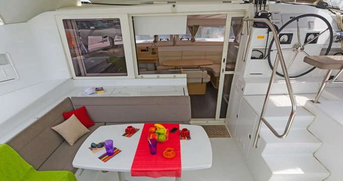 Rental Catamaran in Central Greece - Lagoon Lagoon 421 - 4 + 1 cab.