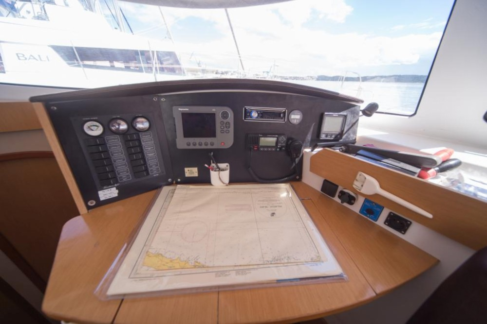 Noleggio barche Fountaine Pajot Lipari 41 Evolution Olbia su Samboat