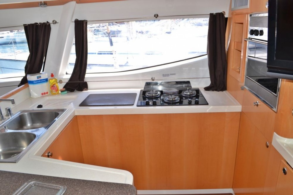 Rental Catamaran in Lefkas - Fountaine Pajot Salina 48