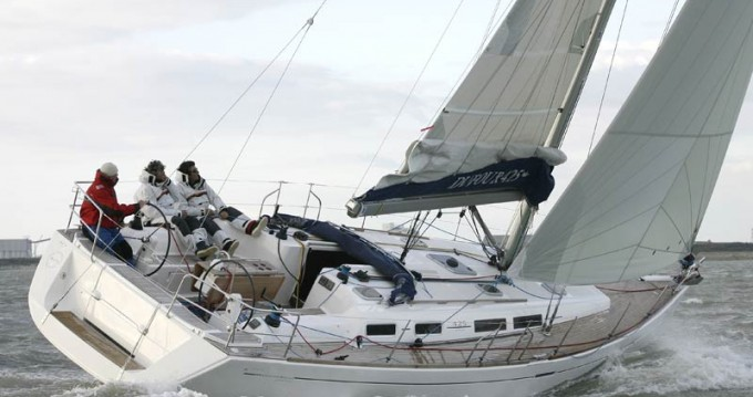 Dufour Dufour 425 Grand Large between personal and professional Le Marin