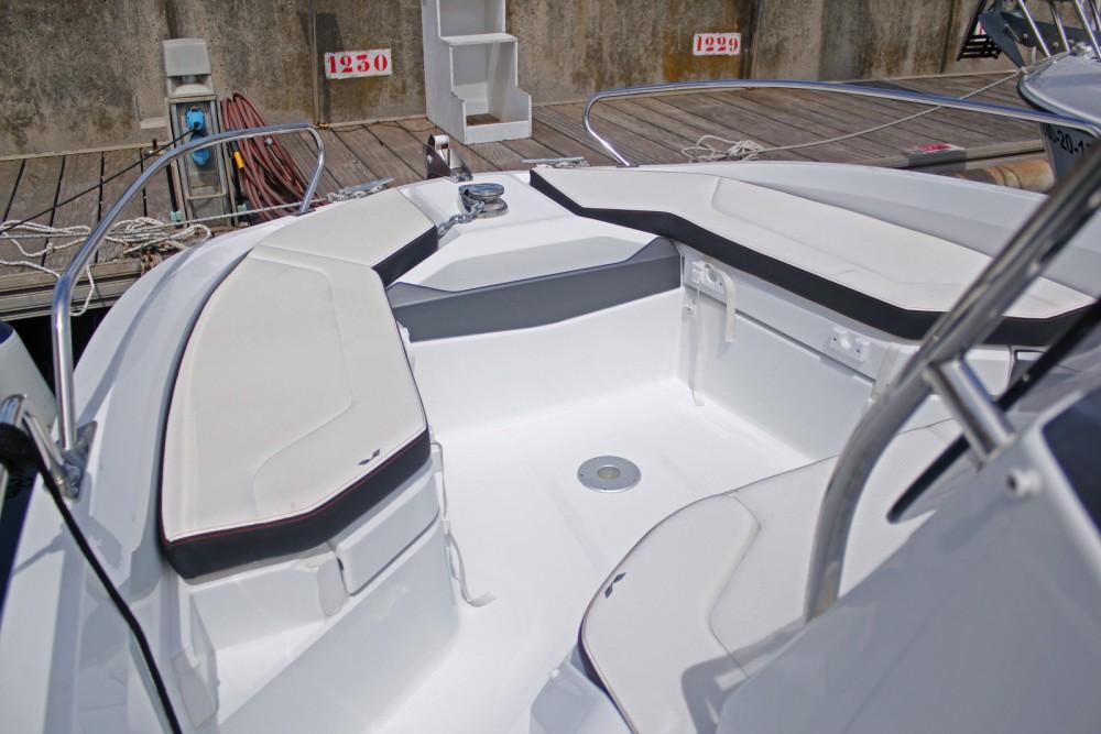 Alquiler de barcos Port Olímpic barato de Flyer 6.6 SPACEdeck