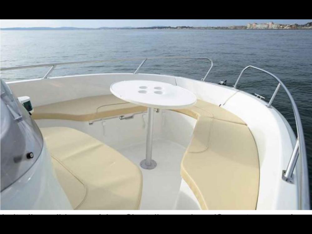 Location bateau Jeanneau Cap Camarat 635 Style à Calvi sur Samboat