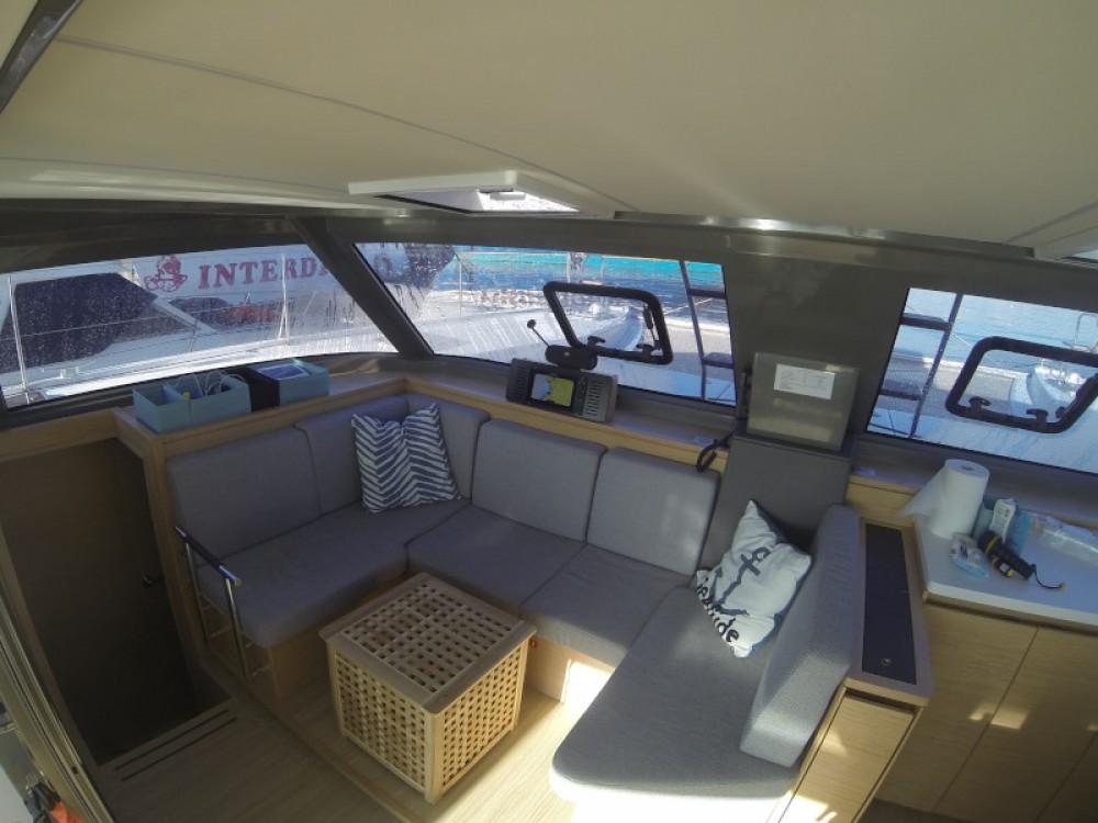 Location bateau Μαρίνα Αλίμου pas cher Nautitech Open 40