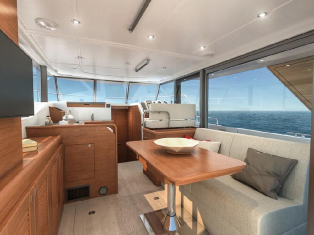 Rent a Bénéteau Swift Trawler 35 Pula