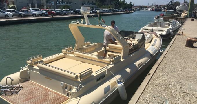 Location bateau Piombino pas cher 28 offshore