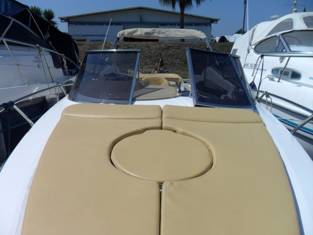 Louez un Sessa Marine Islamorada 32 S32 à Terracina