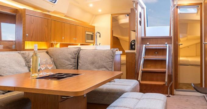 Boat rental Morningside marina cheap Hanse 455