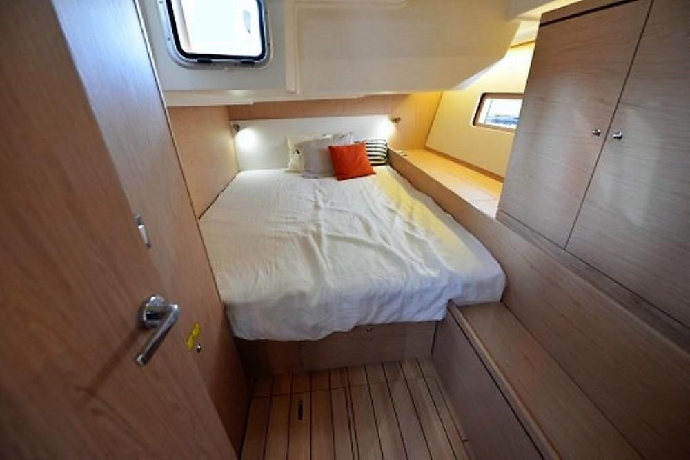 Boat rental Pointe-à-Pitre cheap Oceanis 51.1