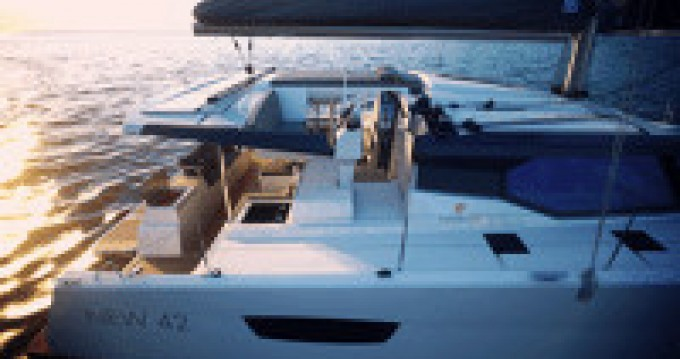 Alquiler Catamarán Fountaine Pajot con título de navegación