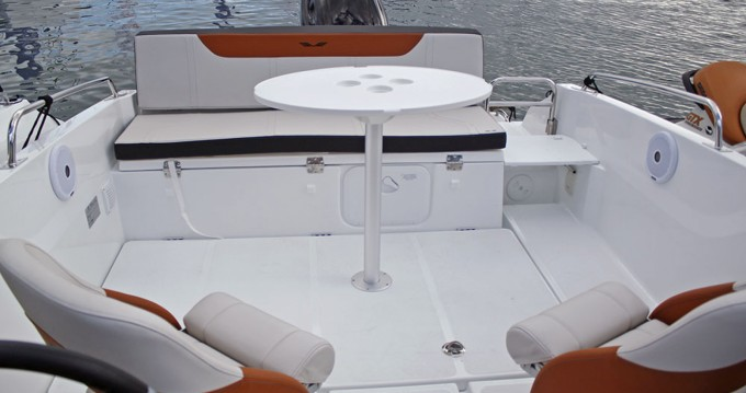 Location bateau Sant Feliu de Guíxols pas cher Flyer 6.6 SPORTdeck