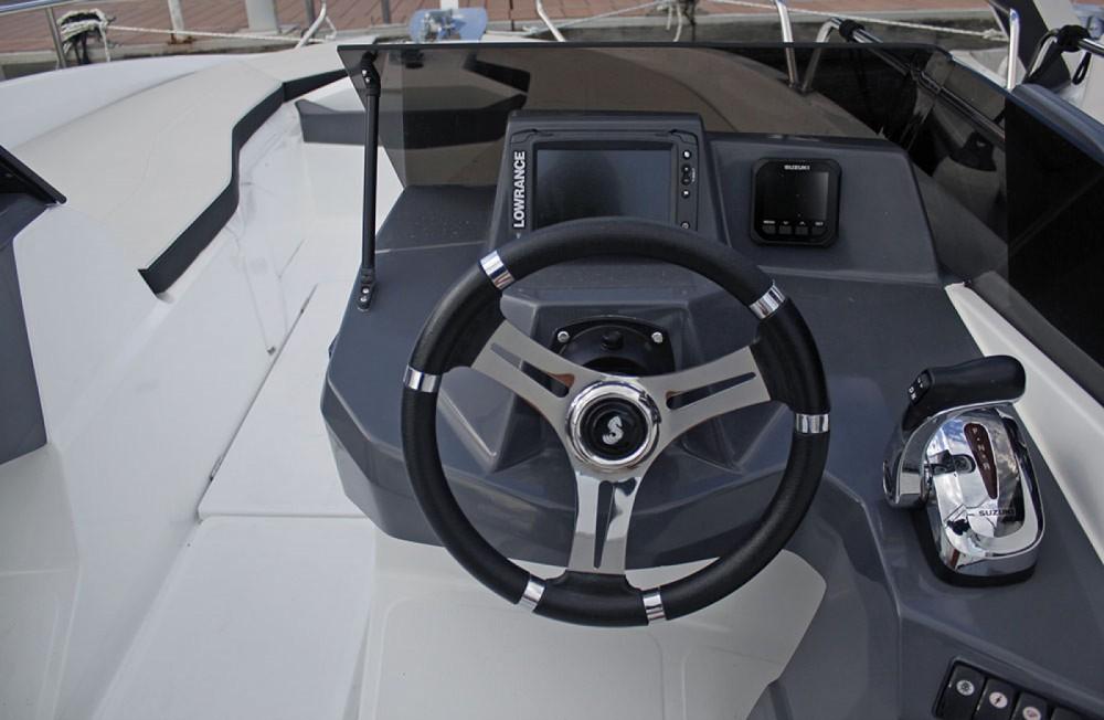 Louer Bateau à moteur avec ou sans skipper Bénéteau à Sant Feliu de Guíxols