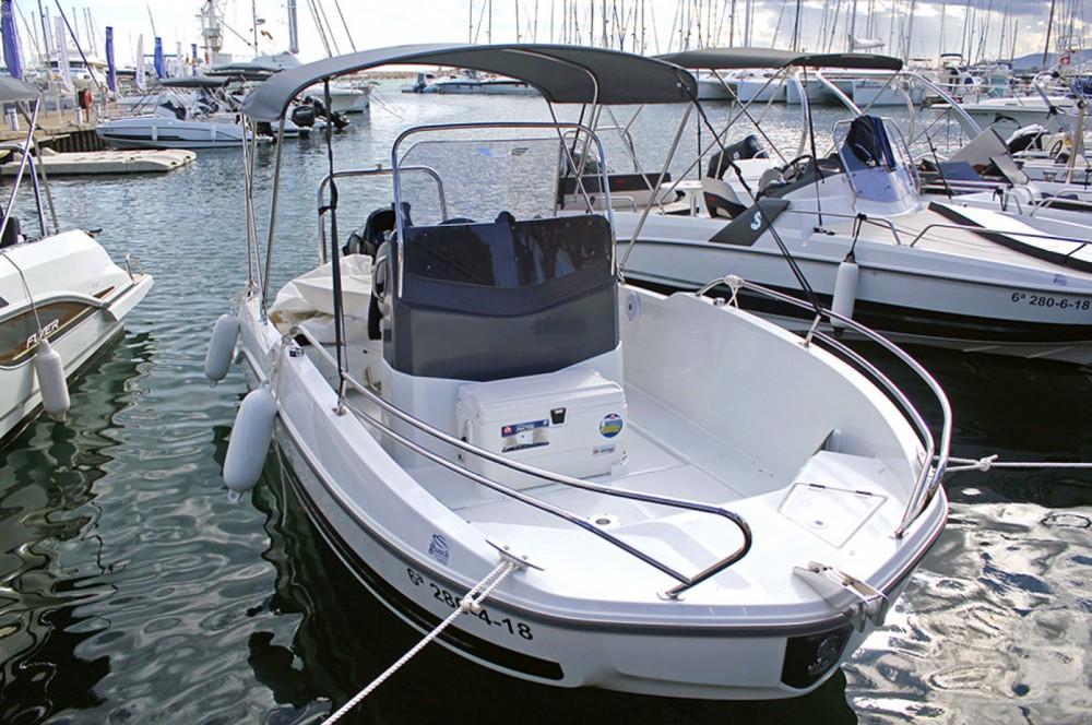 Louer Bateau à moteur avec ou sans skipper Bénéteau à Cambrils