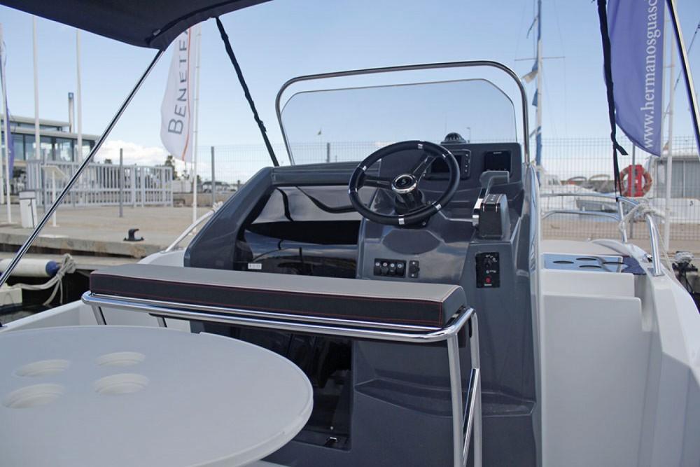 Noleggio barche Cambrils economico Flyer 5.5 SUNdeck