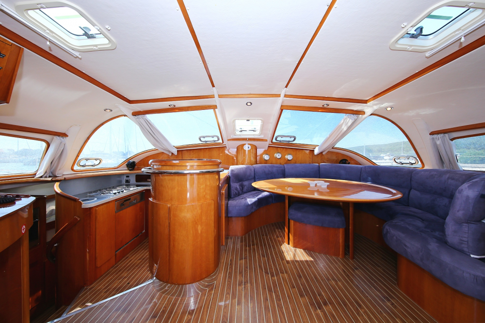 Rental yacht Laurium - Alliaura Marine Privilege 465 - 4 + 1 cab. on SamBoat