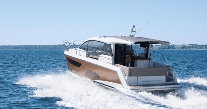 Sealine Sealine C330 between personal and professional Pula