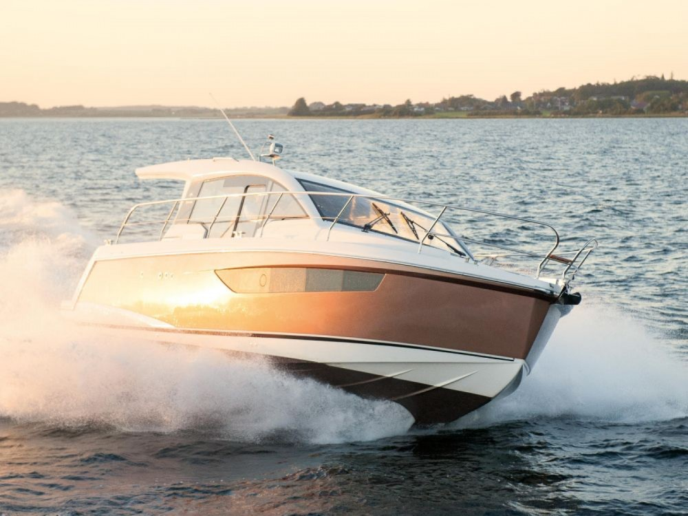 Rental Motor boat Sealine with a permit